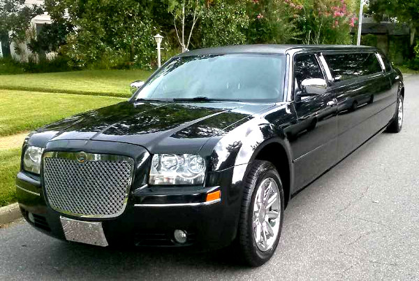 Chrysler 300 limo rental Lubbock